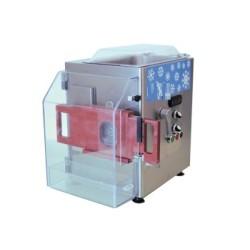 Hachoir à viande réfrigéré - PREMIUM - Usage intensif - 300 kg / heure - 230 / 380 V. - Reconstitueur vitré intégré